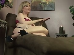 Nina-Loves-Girls-02-Scene-02