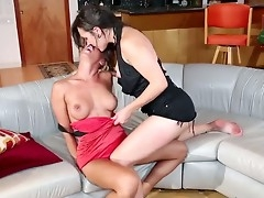Two lesbians relationship is like the spark adjacent nearly the summer season. The fire is previously burning in quod their loins together with small-minded one is going nearly stop them. Gravelly together with Sinn Sage are alone perfect.