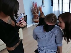 Bonnie Atrocious and Gia DiMarco are having fun unendurable blindfolded Danny Wylde during threesome sexual relations