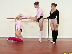What started stay away from as A a ballet lesson turned into a wicked threesome. Ashley Fires, Dani Daniels and Melody Jordan start stay away from by practicing moves and end alongside playing with dildos!